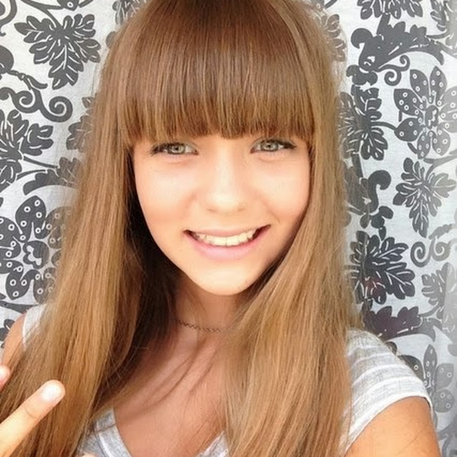 Маша Маева в дестве