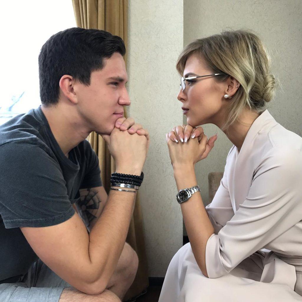 Дима Масленников с девушкой